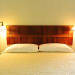 athenscottage_bedroom_bed_closeup