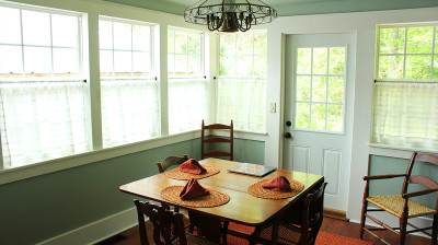 Athens Cottage – Dining room